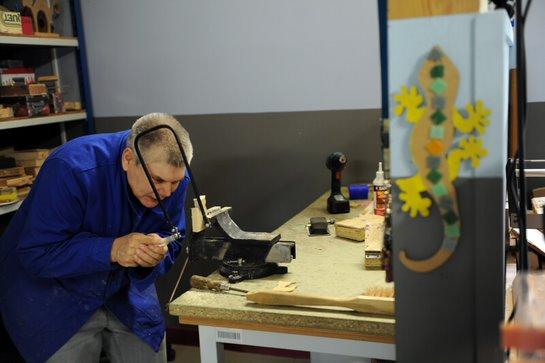 Visau'job est un dispositif inédit sur Lyon piloté par une équipe pluri-professionnelle formée à l'autisme, proposé aux personnes avec TSA éloignées de l'emploi.